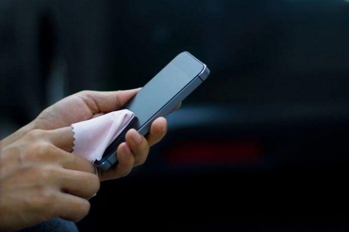 clean mobile screen